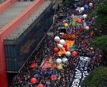Nota de repúdio aos ataques antidemocráticos nas manifestações de 2 de outubro