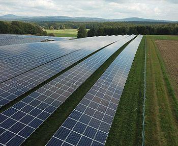 Usinas solares fotovoltaicas para ontem...